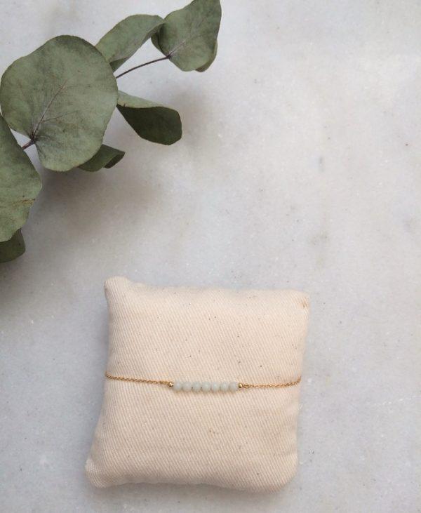 bracelet doré à l'or fin et perles en pierre amazonite