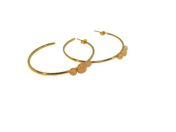 Créoles dorées à l'or fin et ornées de cabochons quartz rose.