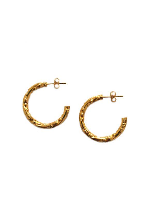 Créoles en anneaux fantaisie dorées à l'or fin.