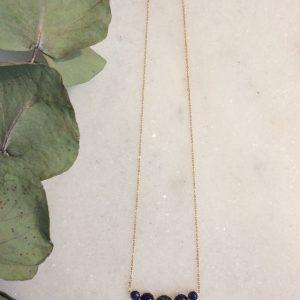 collier Astrée doré à l'or fin et cabochons en sodalite