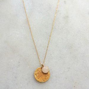 collier fantaisie doré et pierre quartz rose